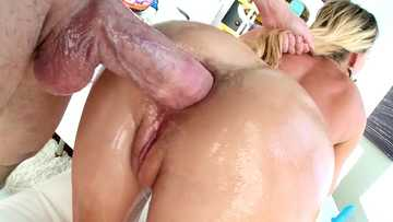 Lassie with plump rump Carter Cruise bends over and give it all to giant-dicked Mike Adriano