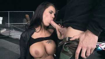 Peta Jensen is showing what a good blowjob should look like