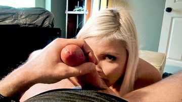 Blonde babe Madison Hart sucks huge boner in exchange for some cash