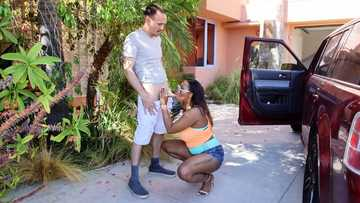 Meeting Tori Taylor, the big ass black girl for interracial outdoor blowjob